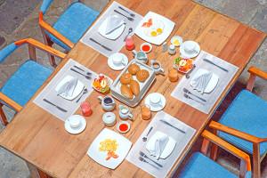 breakfast-casa-el-eden-quito-ecuador-6